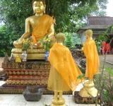 Free Photo - Buddha and monks
