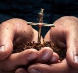 Free Photo - Cross in the hands