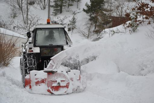 Tractor clearing snow - Free Stock Photo