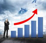 Free Photo - Businessman and Bar Chart with Arrow - Money Growth Concept