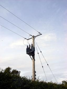Local low power lines - Free Stock Photo