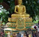 Free Photo - Small Buddhist Shrine