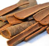 Free Photo - Pieces of cinnamon bark