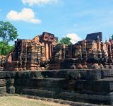 Free Photo - 700 year old Hindu temple ruins