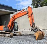 Free Photo - Crawler excavator