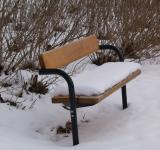 Free Photo - Park bench with snow