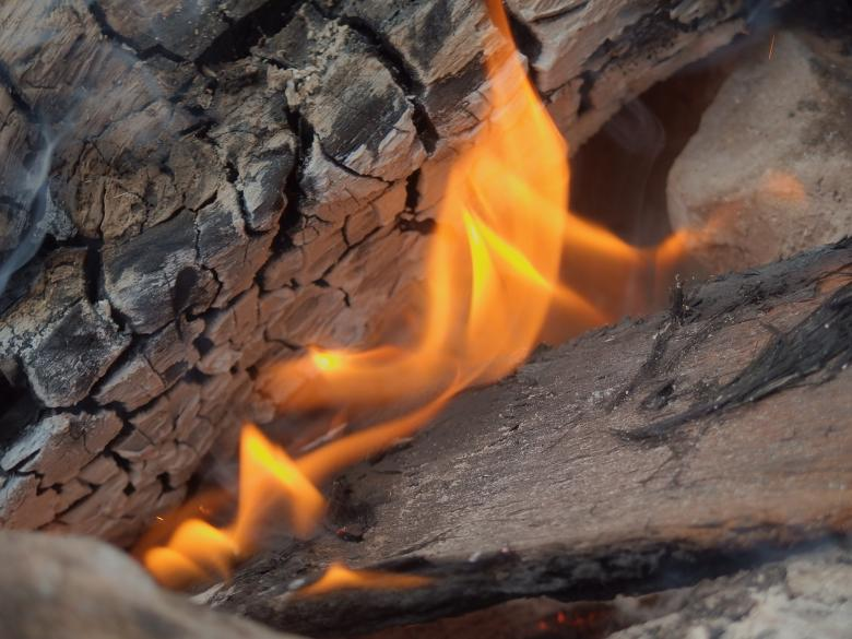 Free Stock Photo of Burning wood Created by Unsplash