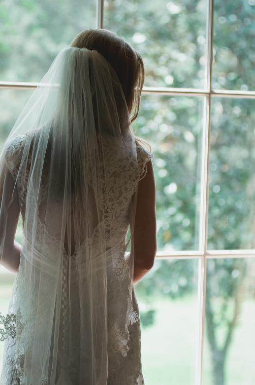 Free Stock Photo of Beautiful Bride Created by Unsplash