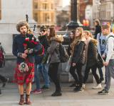 Free Photo - Bagpiper