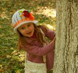 Free Photo - Girl Behind the Tree
