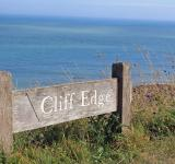 Free Photo - Cliff Edge Sign