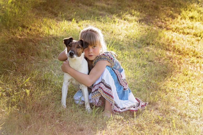 Family Photography - Pose with the Pet By Pixabay
