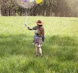 Free Photo - Girl holding Balloons