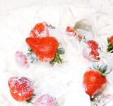 Free Photo - Strawberries in milk