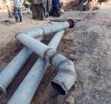 Free Photo - Engineers work on a pipeline