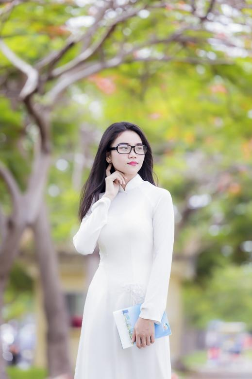 Free Stock Photo of Asian Girl with Glasses Created by Bùi Tuân Anh