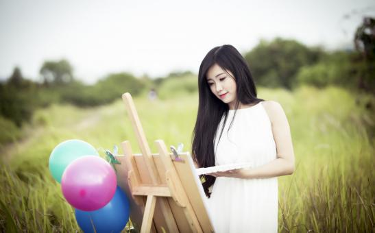 Painting in the field - Free Stock Photo