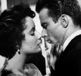 Free Photo - Elizabeth Taylor Romantic