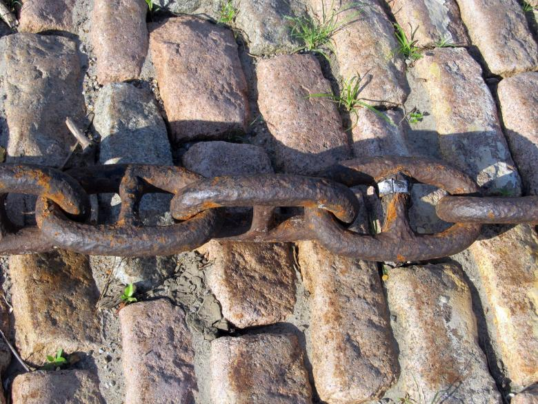 Free Stock Photo of Rusting Chain Created by Pixabay