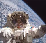 Free Photo - Cosmonaut in Space