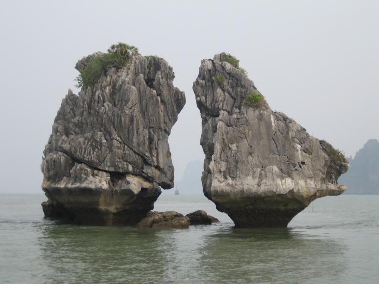 Free stock image of Kissing Rocks created by Pixabay