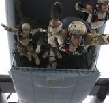 Free Photo - Military Skydivers