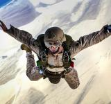 Free Photo - Military Skydiver