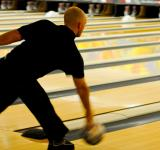 Free Photo - Bowling Competition