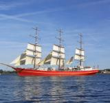 Free Photo - Ship Sailing