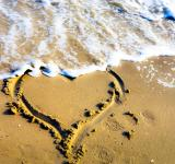 Free Photo - Heart on the Shore