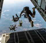 Free Photo - Parachute Jumping