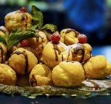 Free Photo - Cream Puffs