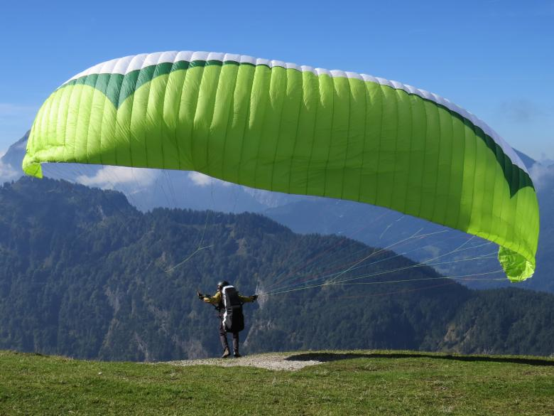 Free Stock Photo of Paragliding Created by Pixabay