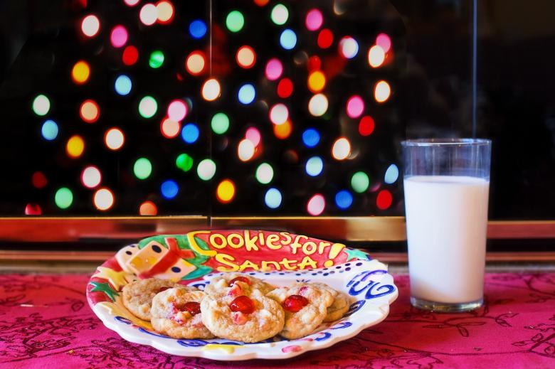 Free Stock Photo of Cookies For Santa Created by Pixabay