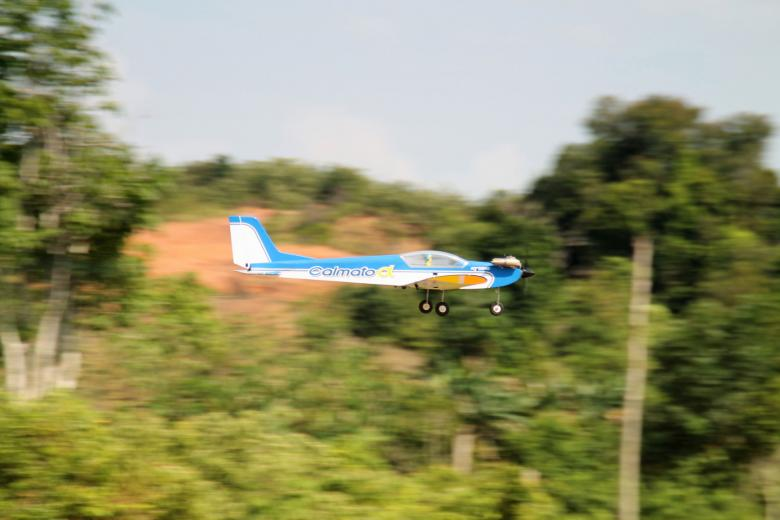 Free Stock Photo of Remote Controlled Airplane Passing Created by Satrio aribowo