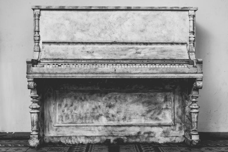Free Stock Photo of Old Piano Created by Pixabay