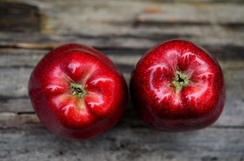Free Stock Photo of Fresh Red Apples Created by Pixabay
