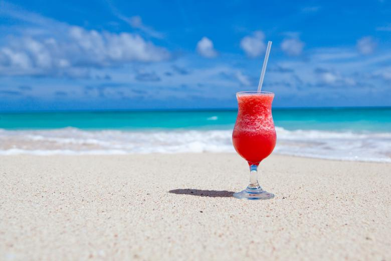 Free Stock Photo of Juice at the Beach Created by Pixabay
