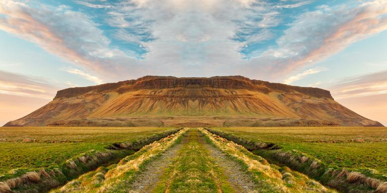 Free stock image of Iceland Sunset Symmetry Trail created by Nicolas Raymond