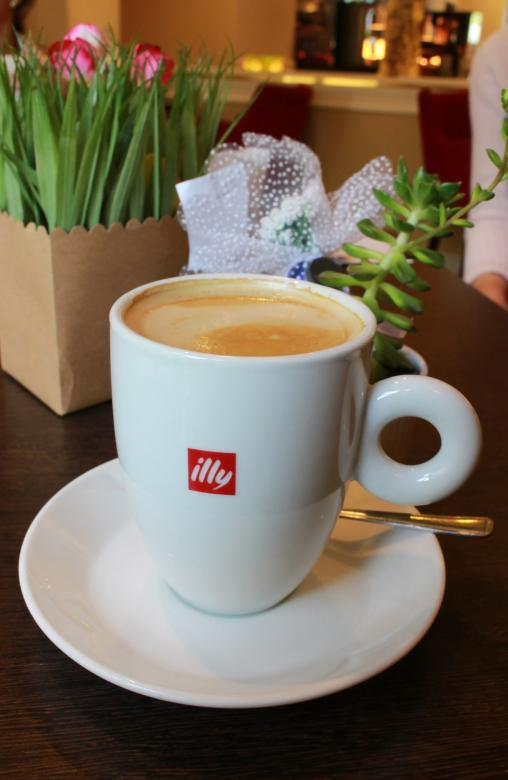 Free stock image of Cup of Illy Branded Coffee created by Ivan