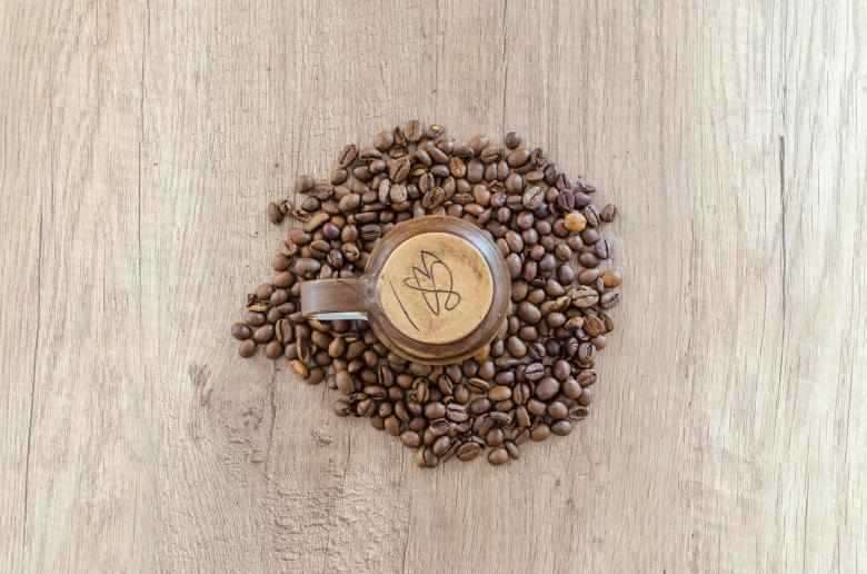 Free Stock Photo of Coffee Cup and Coffee Beans Created by Lukas