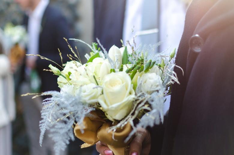 Free Stock Photo of White Roses for Wedding Created by Lukas