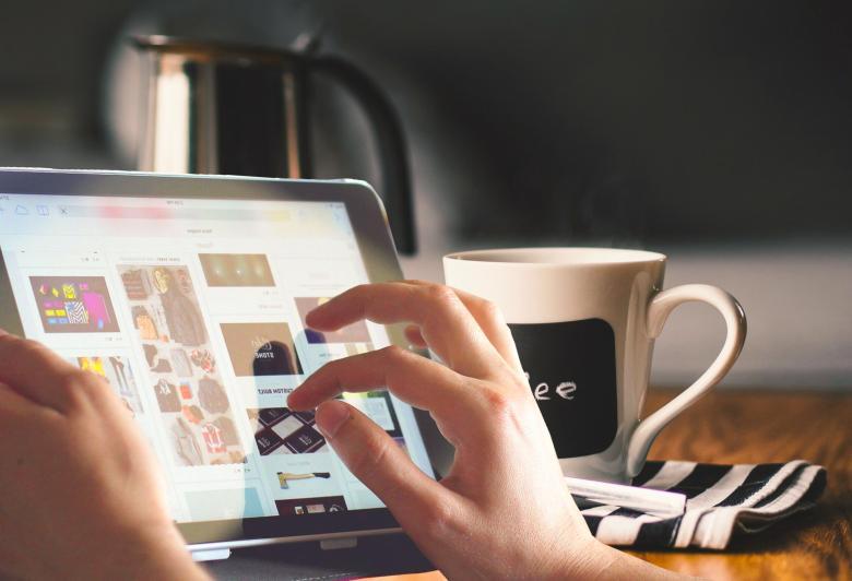 Using iPad - Free Computer Stock Photos