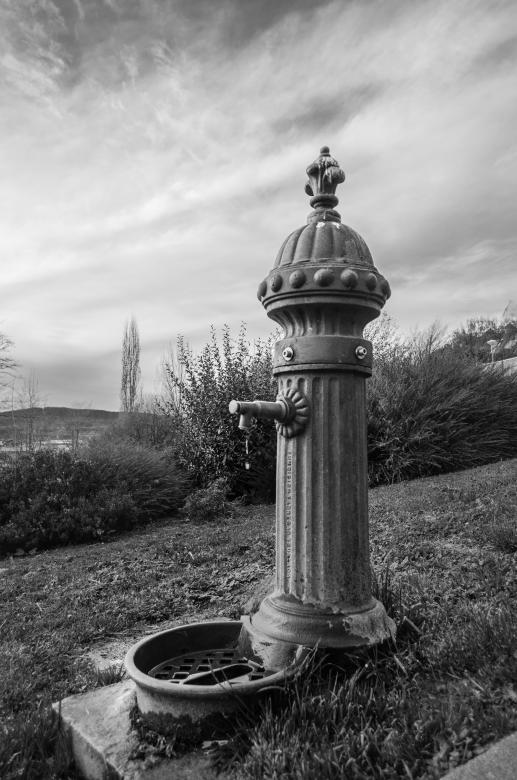 Free Stock Photo of Fountain - Black and White Created by PaSoNeCa