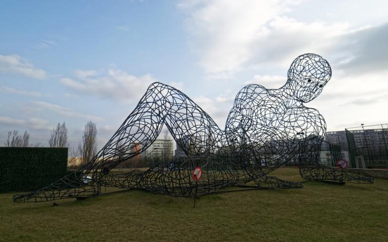 Free Stock Photo of Giant man wire sculpture Created by Mircea Iancu