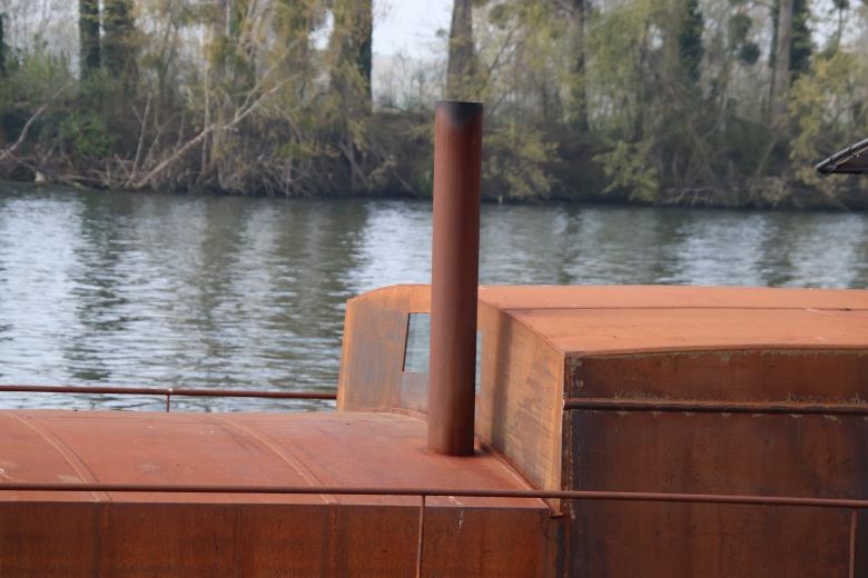 Free Stock Photo of Rusted river boat Created by GAIMARD Jacques