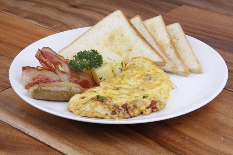 Free Stock Photo of Omelette and Toast Breakfast Created by Suandana Ipandemade