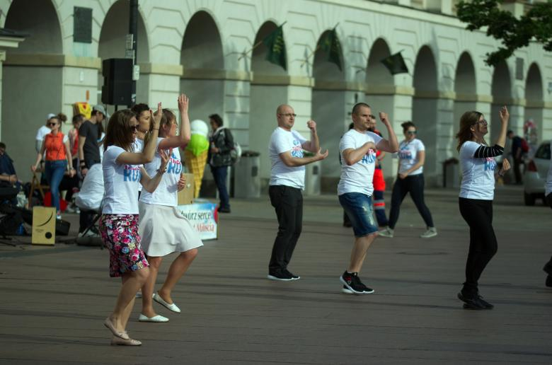 Free stock image of Young People Dancing in the Street created by Mircea Iancu