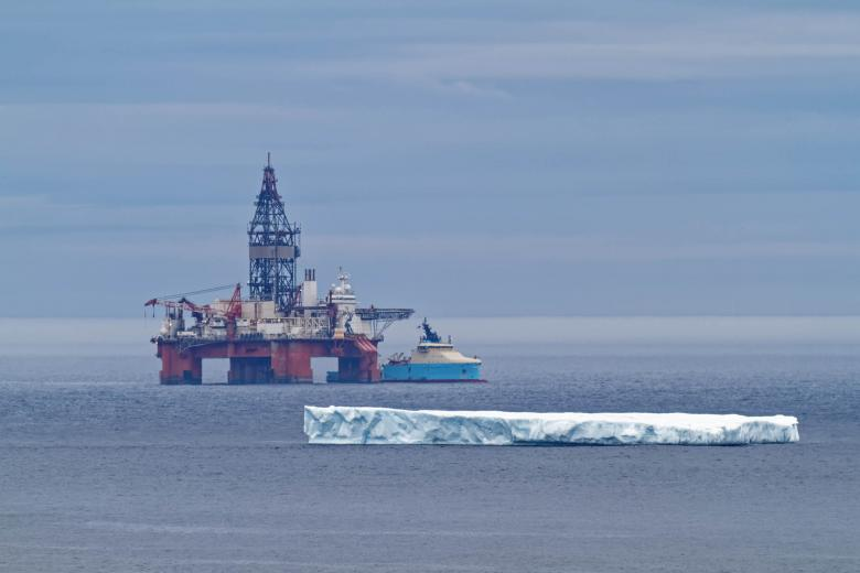 Free Stock Photo of Oil rig and iceberg Created by Geoffrey Whiteway